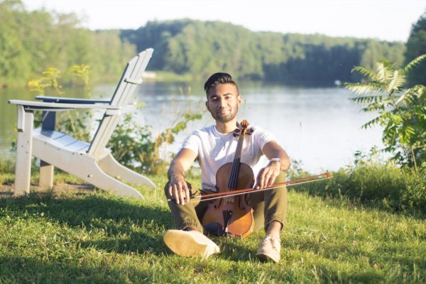 Health and Humanities Scholar and accomplished violist Saif Ansari '23.